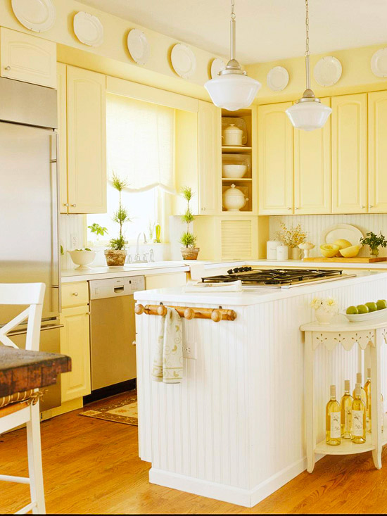 Traditional kitchen design ideas 2011 with yellow color for Cute yellow kitchen ideas