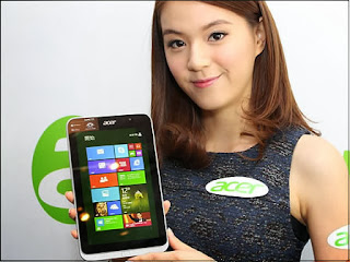Acer Iconia W4 8-Inch Tablet in Hong Kong Store