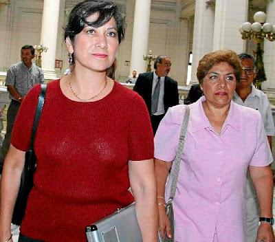 Martha Chávez y la congresista peruana Luz Salgado