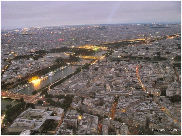 paris lit up at night