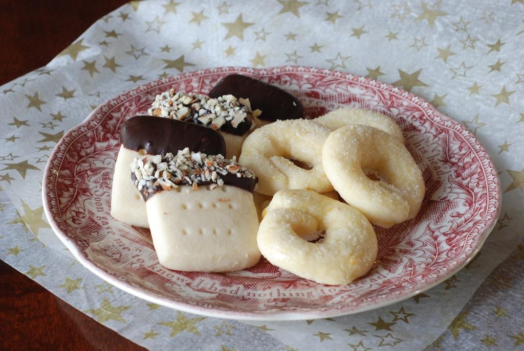 ... Good: Christmas Cookie Exchange: Scotch Shortbread and Berlinerkranser