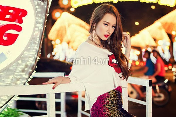 Angela Phuong Trinh - New pic beautifull