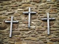 Creus de fusta que servien per seguir les estacions del Via Crucis durant la Setmana Santa