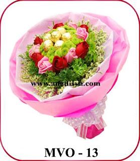 hand boquet bunga mawar