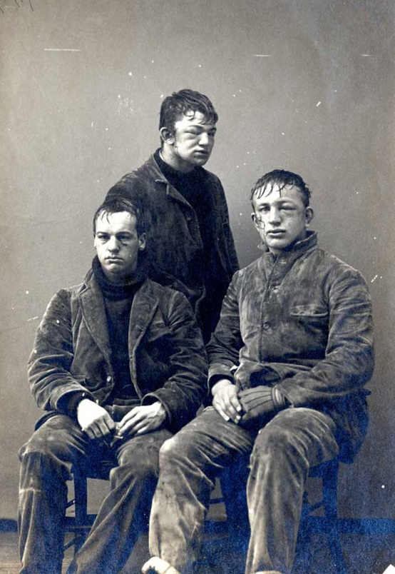 25 Breathtaking Photos From The Past - Three Princeton students pose after a boxing match. 1893. Princeton, NJ.