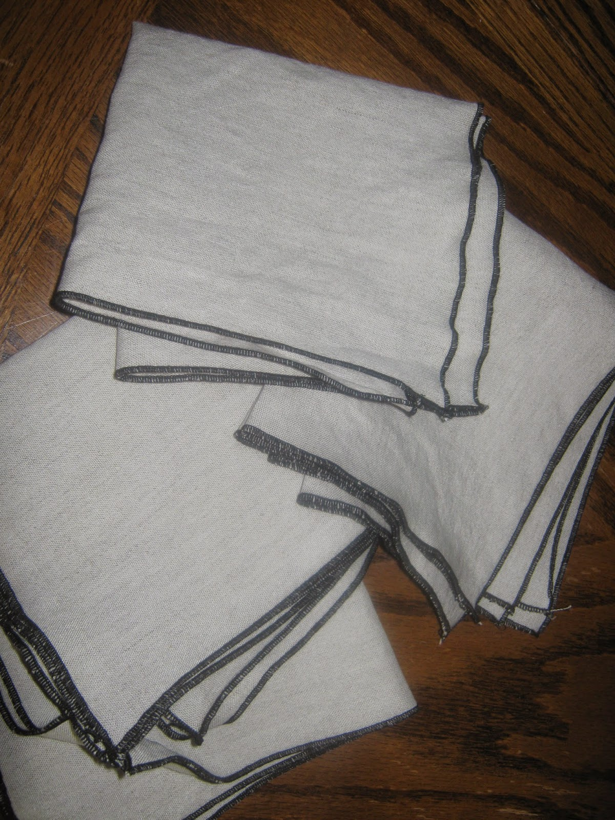 Rolled hem cloth napkins www.sewplus.blogspot.com