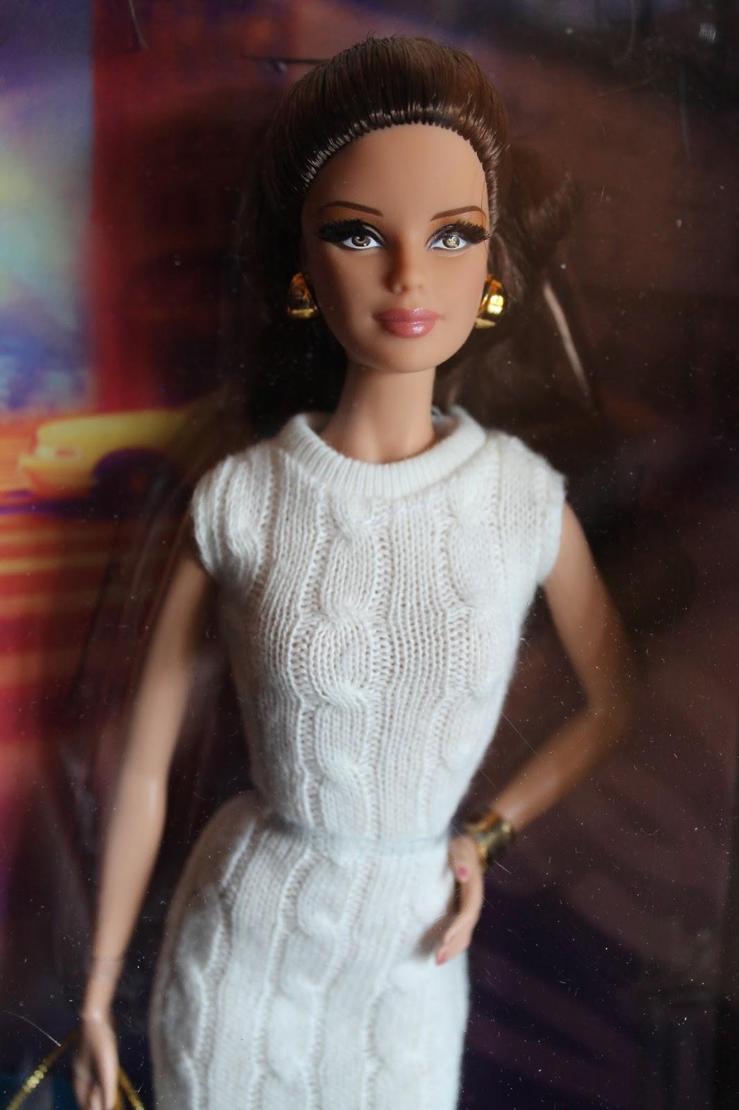 barbie-look-city-shopper-brunette
