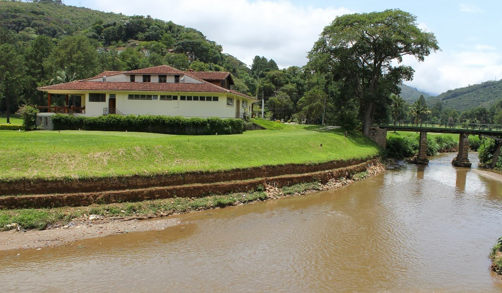 Desassoreamento do Rio Paquequer (próximo ao Golfe Club)