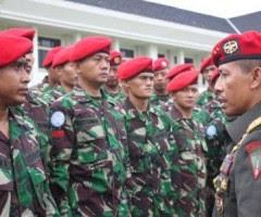 Danjen Kopassus Mayjen TNI Agus Sutomo memberikan pengarahan kepada peersonel Kopassus tergabung Satgas FHQSU TNI Konga XXVI-E1/UNIFIL