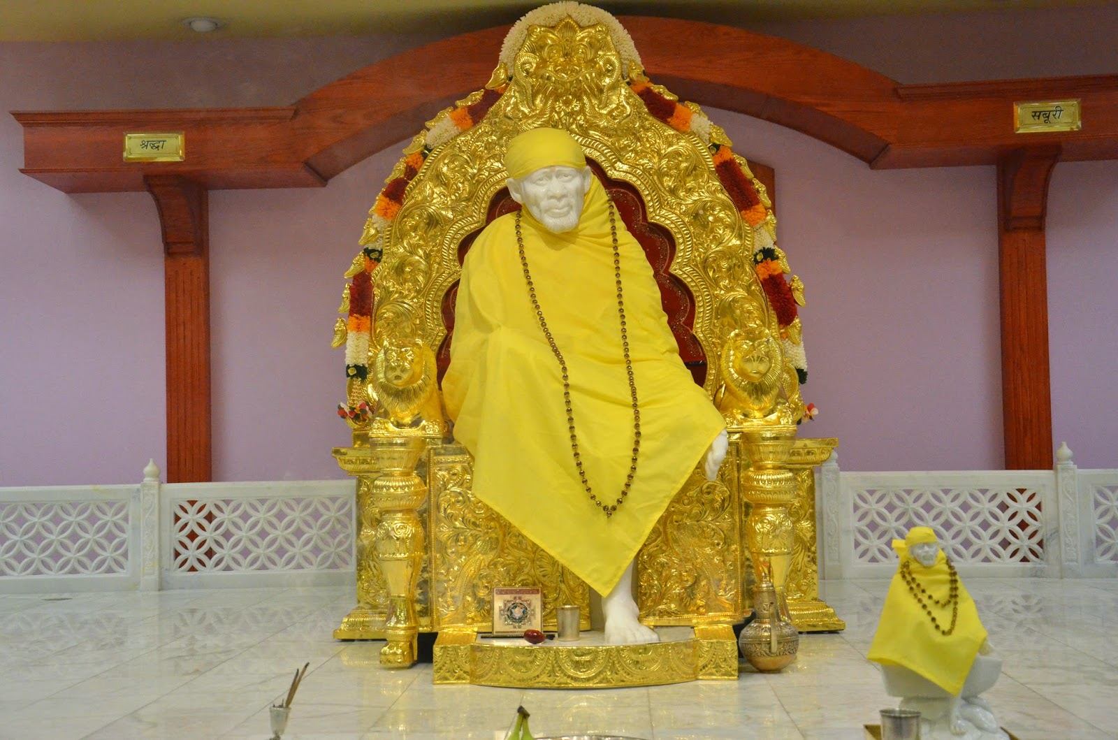 Hd wallpaper sai baba - Lord Sai Baba Real Photos In Temple Wallpapers