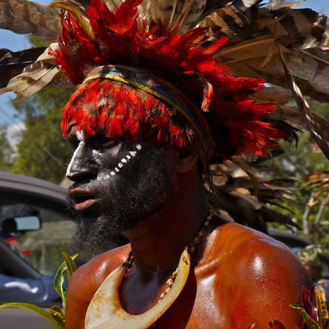 modern life of papuans 08 Modern Life Of Papuans Photo Video Picture Image