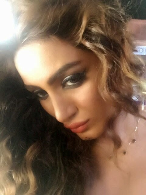 Mathira Hot Selfies Photos