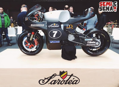 sorolea-present-electric-motor-racing-dressed-classic