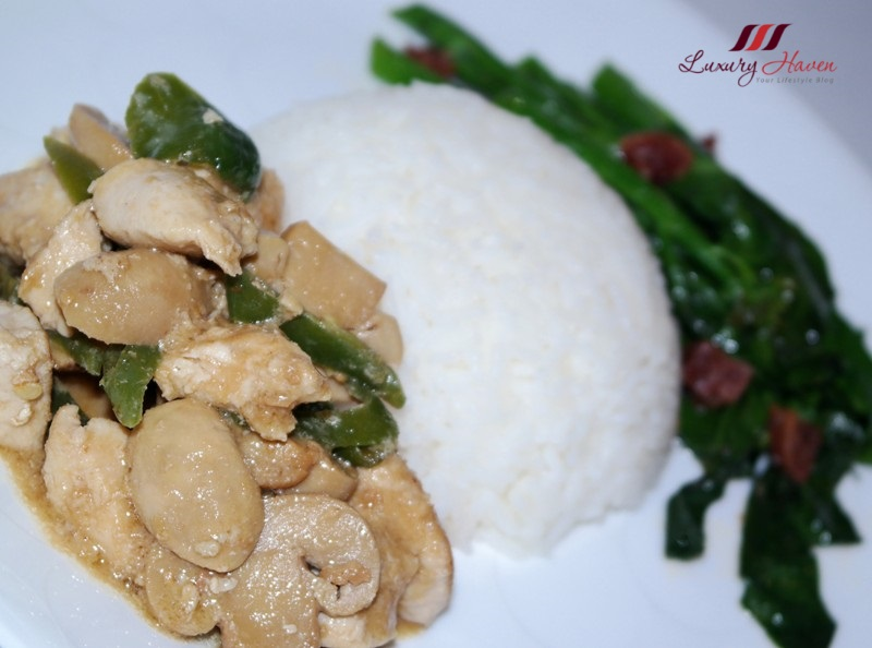 singapore cooking one dish meal stir fried chicken