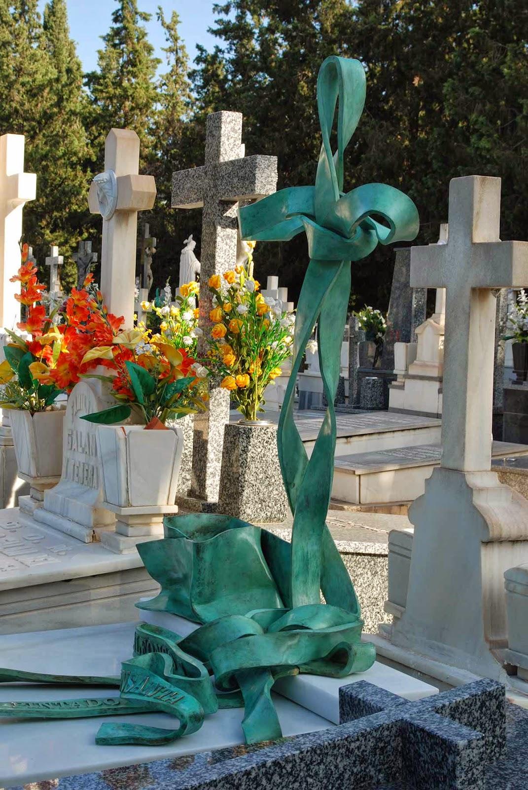 Monumento bronce cementerio Murcia Arturo Serra escultura 10