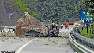 Simak foto-foto kecelakaan yang mengerikan yang berhasil kami himpun :