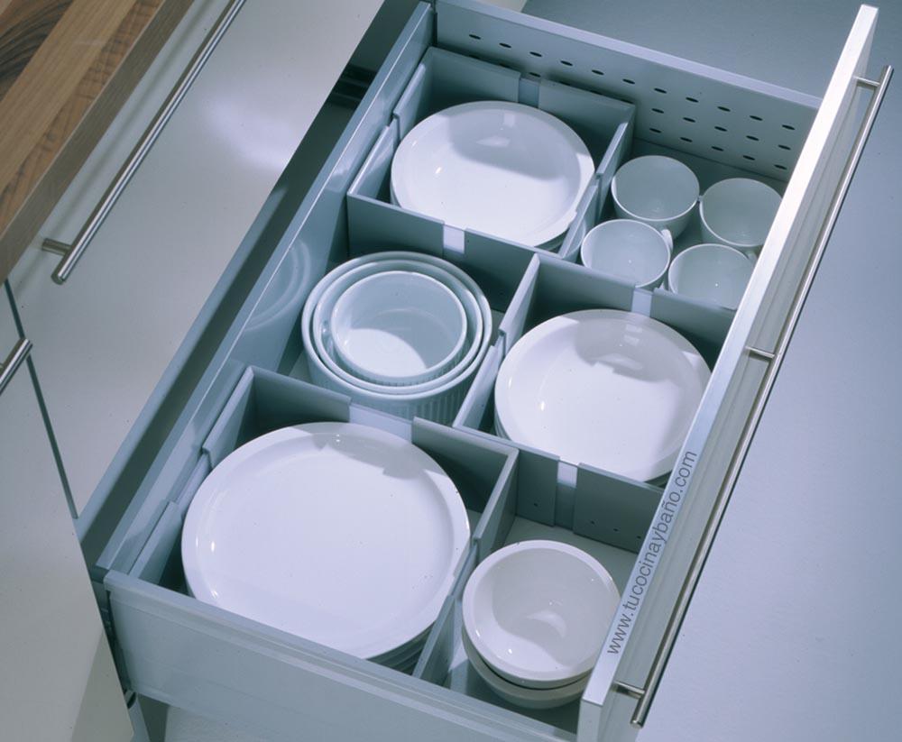 organizar platos cajon cocina gavetero vajilla almacenar
