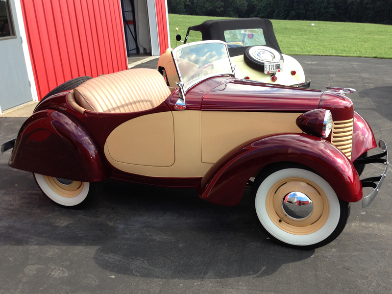 Daily Turismo: 15k: Donald Duck\'s Ride: 1939 American Bantam Roadster
