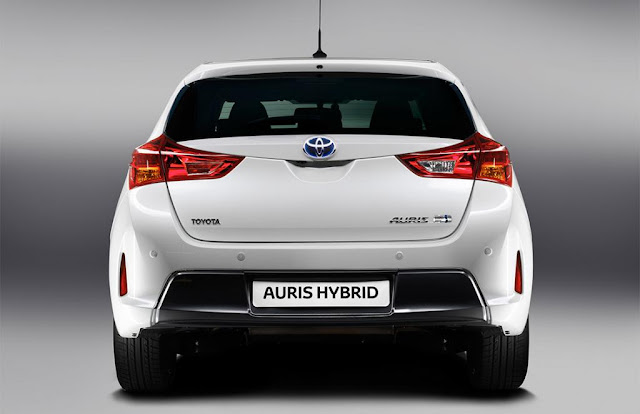 The 2013_Toyota_Auris_2013_ Toyota_ Auris_HyBrid_Paris_ Motor_ Showhydro-carbons.blogspot.com