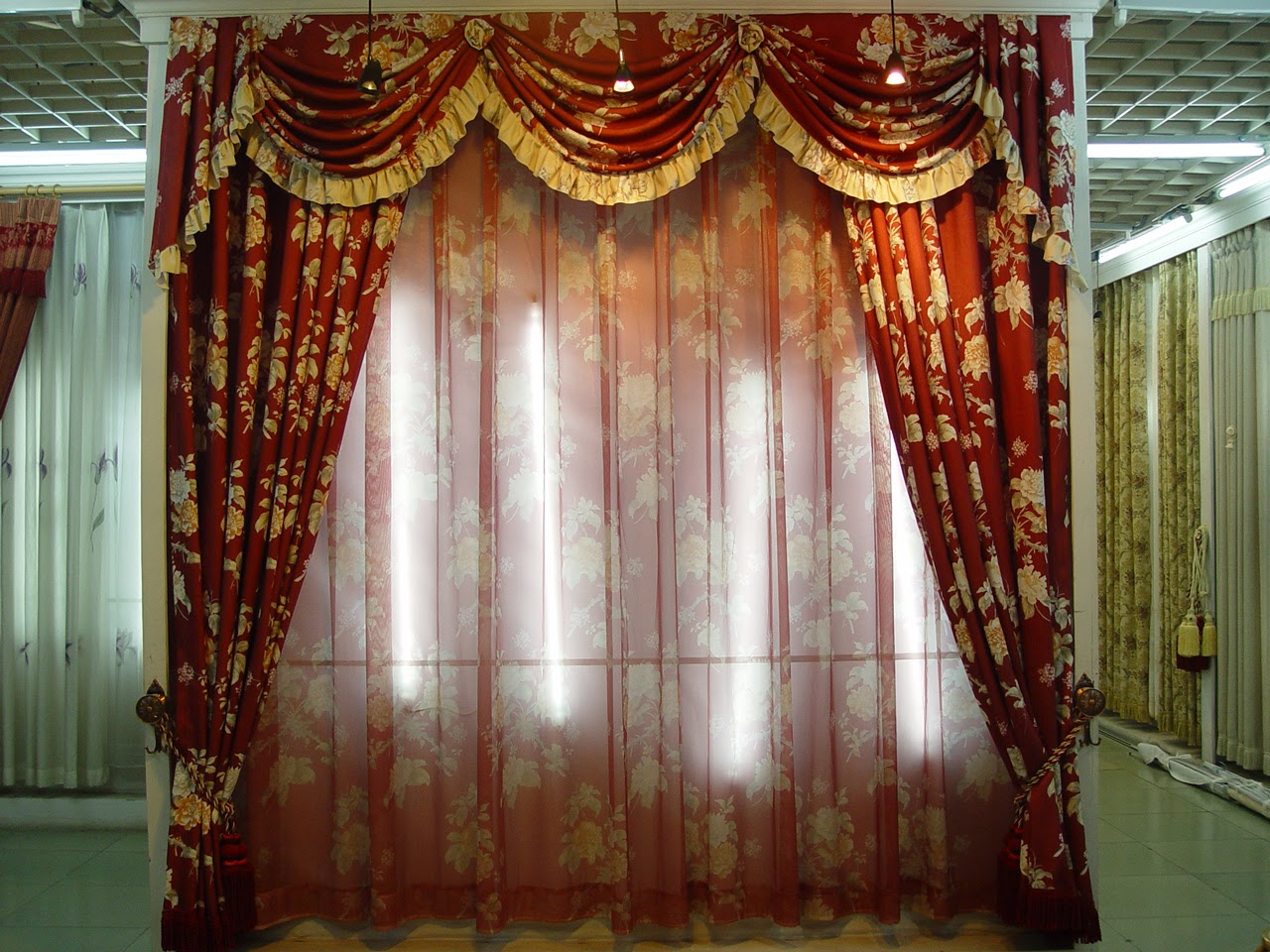 How to Choose Curtains Styles According to Window Architecture