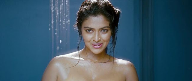 Stunning pictures of actress amala paul hot bathroom photos for Heroines bathroom photos
