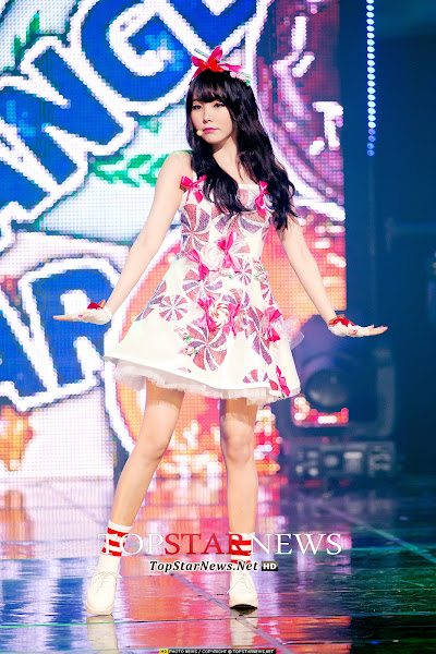 Orange Caramel Raina Live