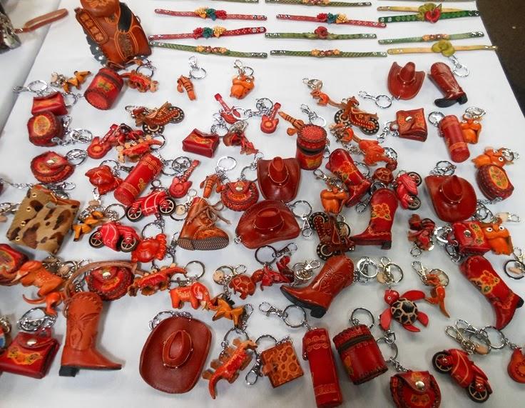 Melbourne souvenirs key chains, Australia