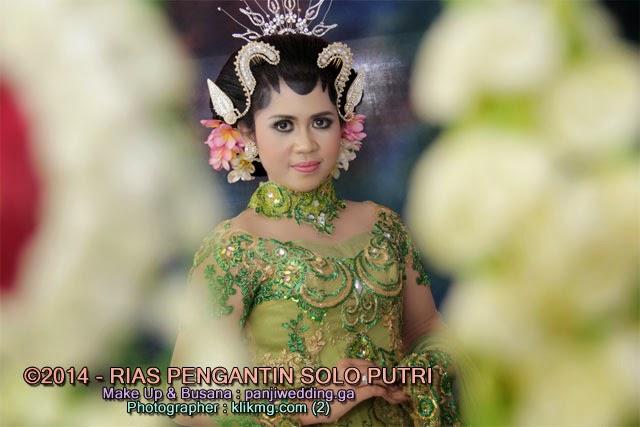 Solo Putri Modifikasi oleh PANJIWEDDING.GA Rias Pengantin - Foto oleh KLIKMG Fotografi