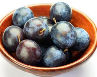 فاكهة البرقوق غذاء ودواء وتساعد فى انقاص الوزن الزائد