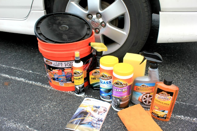 Armor All car Care Gift Pack 10-piece bucket. Perfect Father's Day gift! #TheGiftOfClean #ad