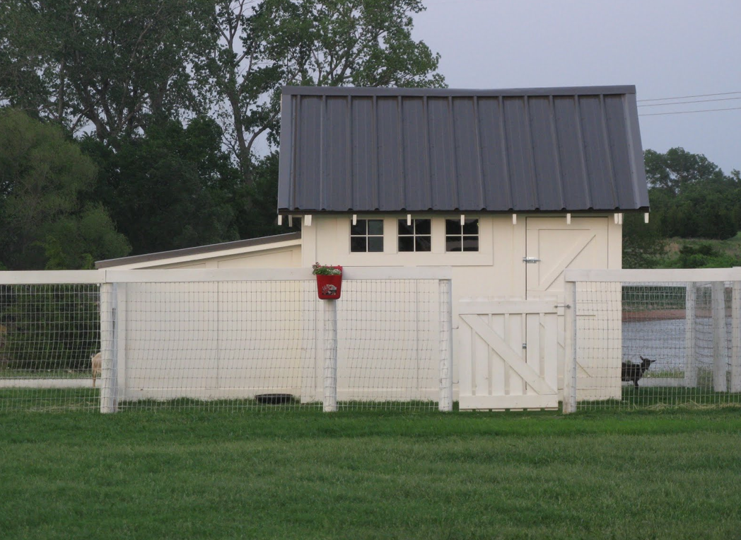 Brokie hay storage shed plans for Mini barn plans