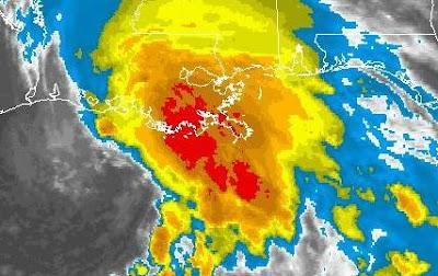 Zentrum Tropischer Sturm LEE halb über Louisiana, halb über Wasser, Lee, Golf von Mexiko, Satellitenbild Satellitenbilder, Alabama, Mississippi, Louisiana, New Orleans, 2011, September, Hurrikansaison 2011, Verlauf, aktuell, US-Ostküste Eastcoast, USA,