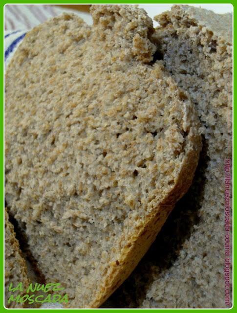 pane integrale con lievito madre liquido (nella macchina del pane) - pan integral con masa madre líquida (en panificadora)