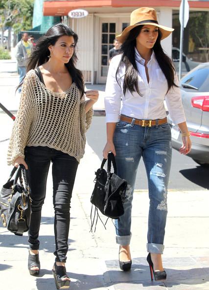 kim kardashian wishes kourtney kardashian birthday 18 april