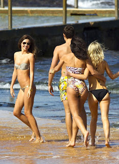Miranda Kerr, her boyfriends, the beaches of Sydney, Australia, Sydney Travel trip, Sydney luxury hotel, find hostel in Sydney, Sydney tour travel vip, luxury resort in sydney