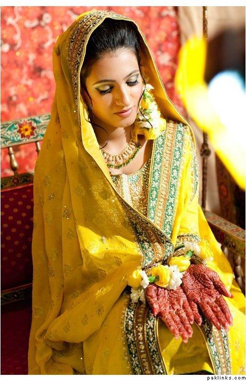 Mehndi Raat Ceremony : Mehndi ki raat mayoon frills