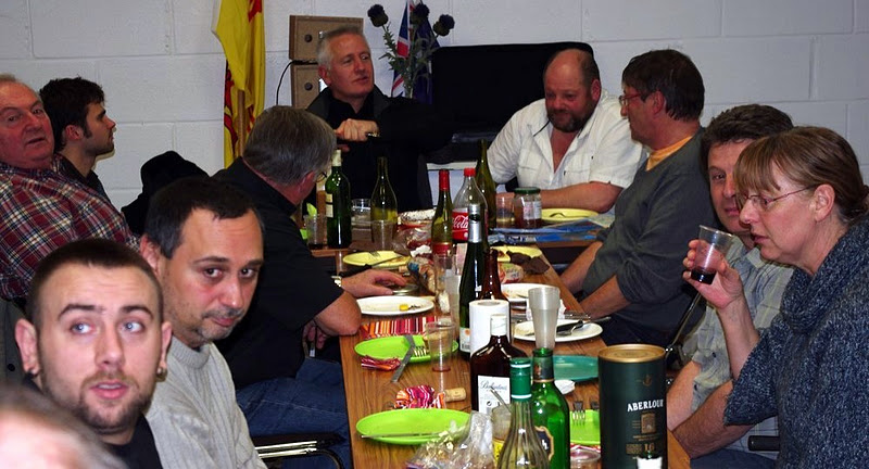 Petits d lices entre ami e s the samarobriva pipes and drums for Repas week end entre amis