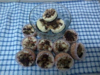 Oreo Cheese Nuts Cupcake