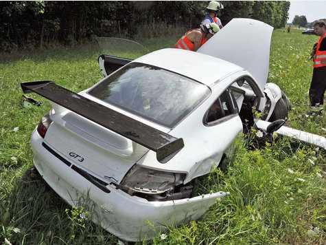 porsche-996-gt3-crash-yaris-fatal-autobahn-1.jpg