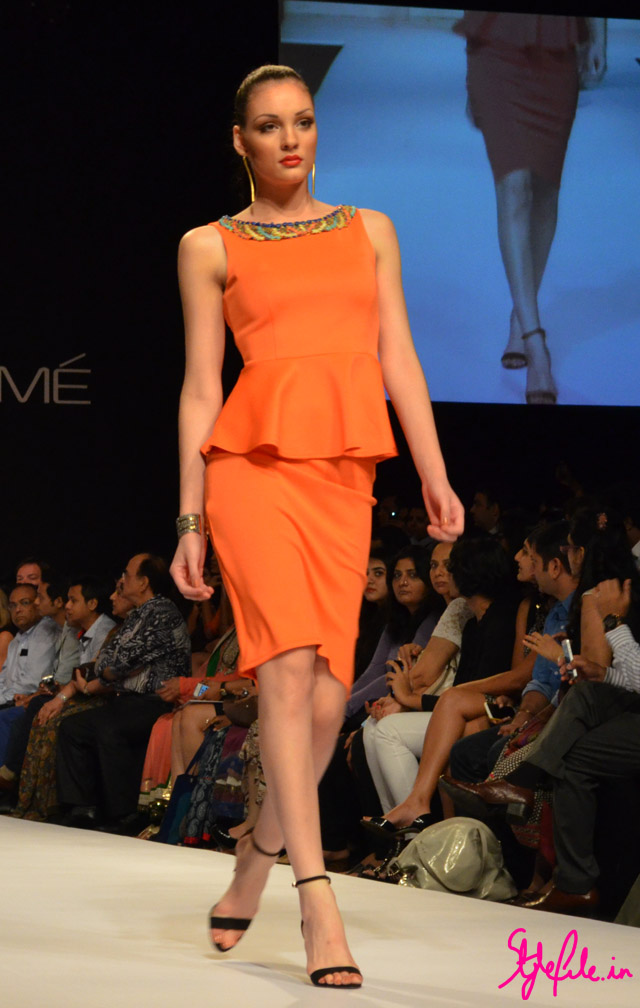 sheer orange neckline embellishment peplum bisou bisou lakme fashion week