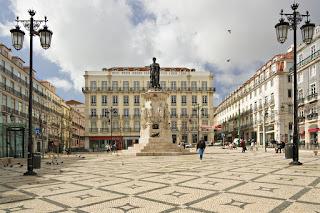 Praça Luís de Camões, Bairro Alto, Lisboa, Portugal