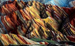 Gunung+Danxia+8 Gunung Danxia, Gunung Kaya Warna Yang Mirip Dengan Pelangi