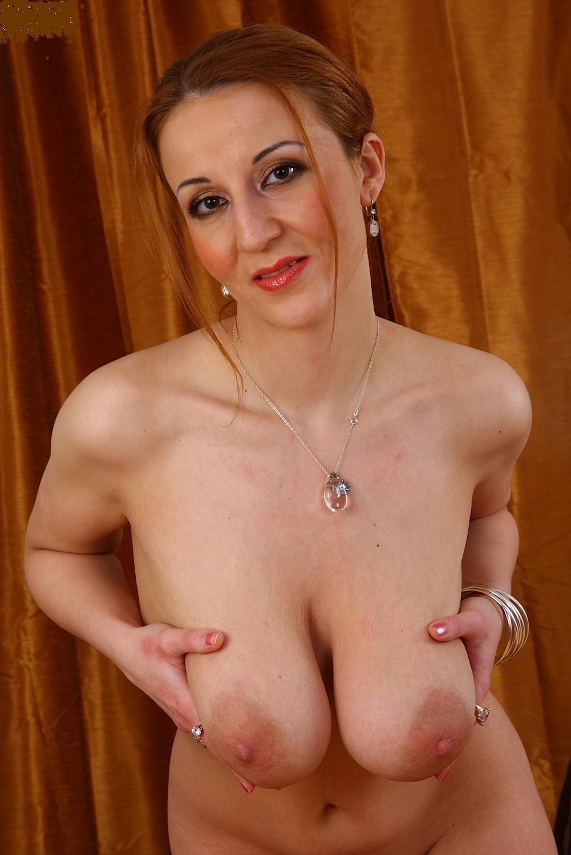 Big natural tits mature 16 фотография