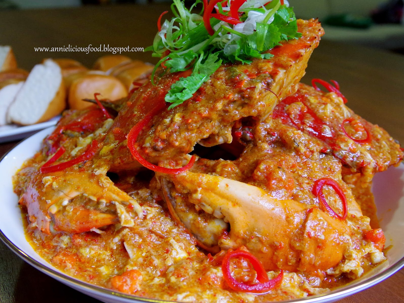 Annielicious food best singapore chilli crab aff i adapted this recipe from chef master classes on his worlds best singapore chilli crab recipe which he mentioned that his recipe is based on a food trip forumfinder Choice Image