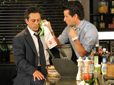 Baltazar (Alexandre Nero) e Crô (Marcelo Serrado) em cena de 'Fina Estampa' (Foto: Divulgação/TV Globo)