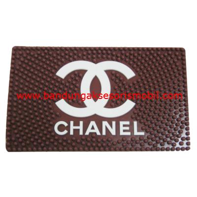 Dash Mat Chanel Perancis