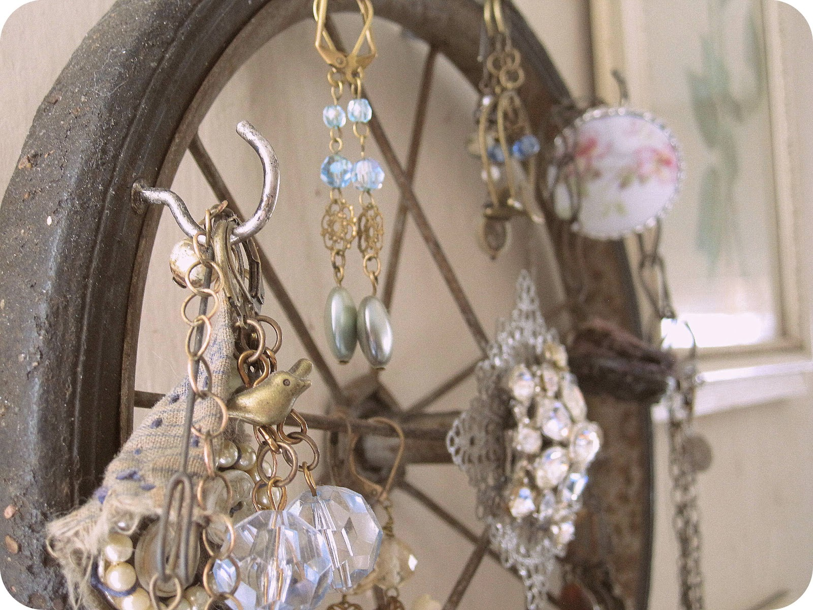 Shabby Chic Jewelry Storage and Display Idea & Sacred Cake by Jennifer Valentine: Shabby Chic Jewelry Storage and ...