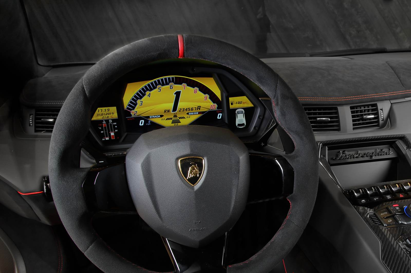 Lamborghini LP750-4 Superveloce - interior