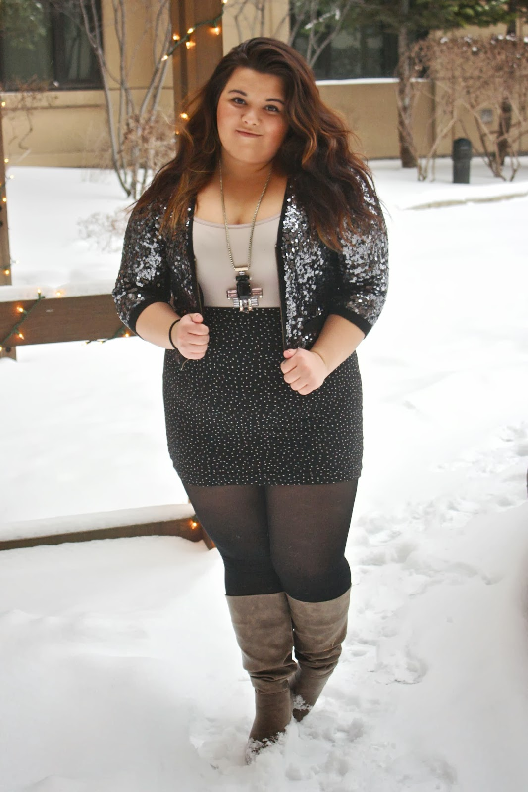 winter fashion, sequin jacket, guess, high waist skirt, necklace, ombre, tights, boots, plus size fashion blogger, plus size fashion, natalie craig, natalie in the city, H&M, forever 21,