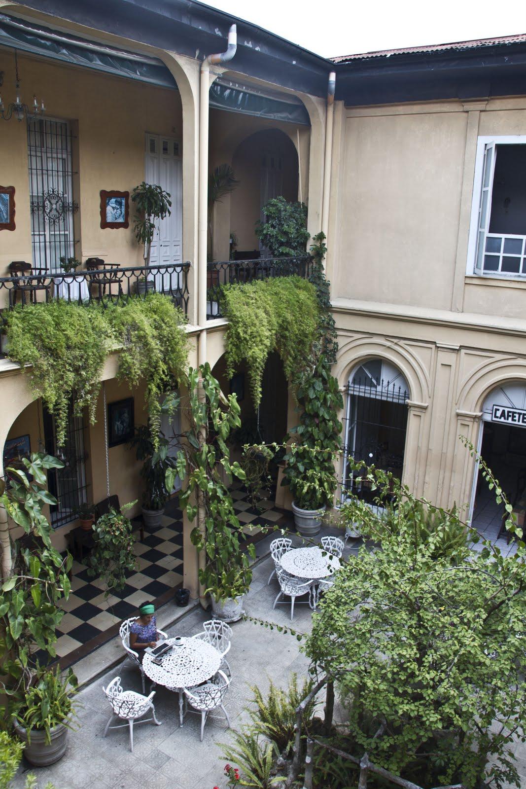 Um hotel na capital guatemalteca a R$ 20 #4D5E39 1067 1600